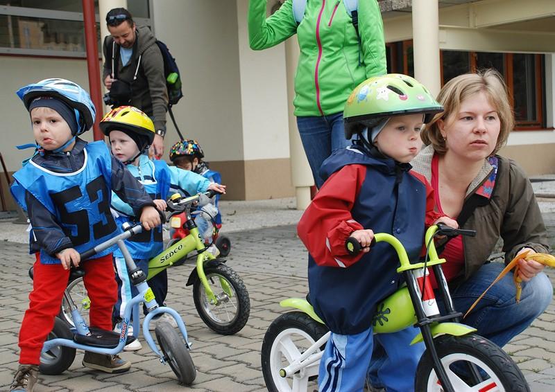 <a href='https://www.salesko.cz/hrali-jsme-si-na-zavodniky/' title='Hráli jsme si na závodníky!'>Hráli jsme si na závodníky!</a>