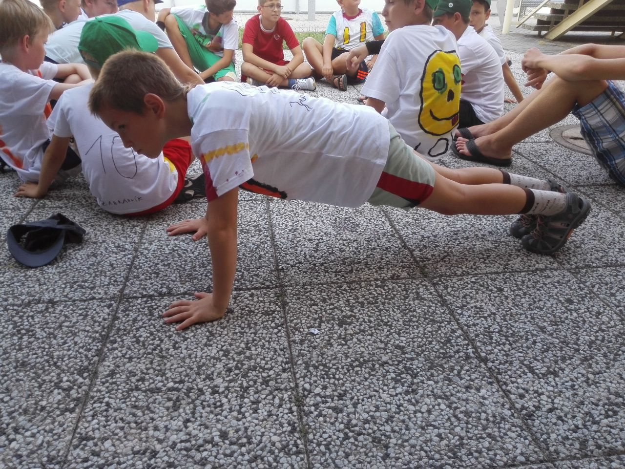 <a href='https://www.salesko.cz/florbal-sportovni-tabor/' title='Florbal – sportovní tábor'>Florbal – sportovní tábor</a>